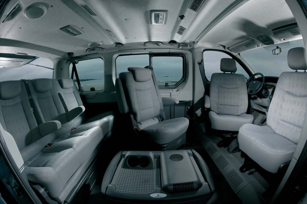 renault trafic nov generace novinky autokaleidoskop. Black Bedroom Furniture Sets. Home Design Ideas