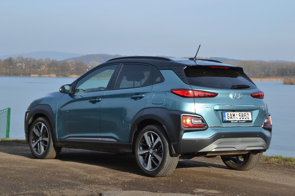 hyundai kona 1 6 t gdi 4x4 odv n mu t st p eje testy autokaleidoskop. Black Bedroom Furniture Sets. Home Design Ideas